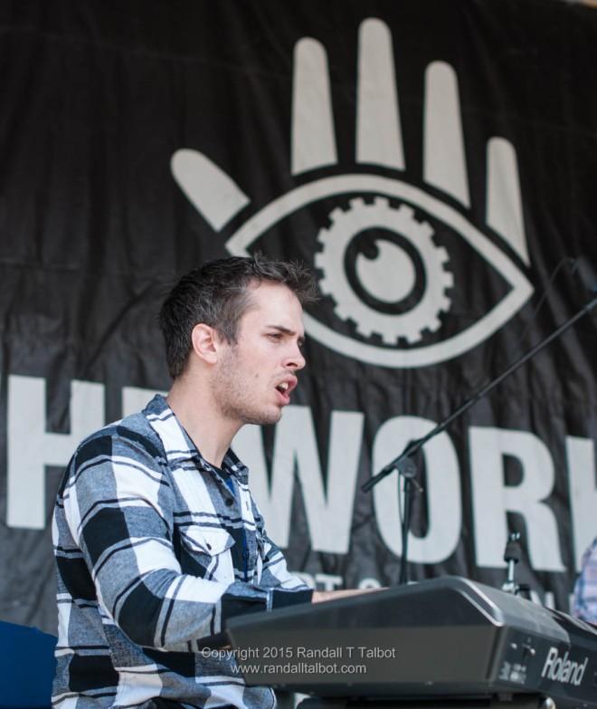 Stefan Kijek on keyboard